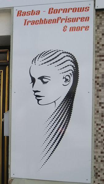 Die Cornrows-Frisur des nanah afro american hair salons